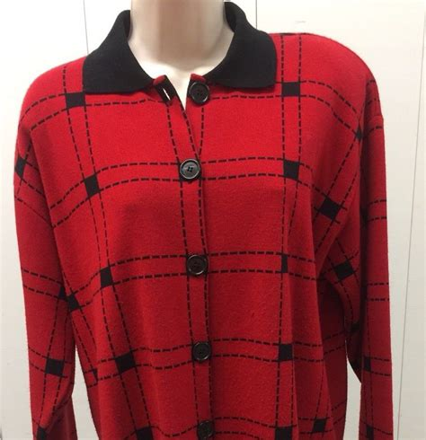 Karen Lessly Red Black Top 1X Acrylic Over Jacket Buttons Black Collar