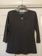 Karen Scott 3 4 sleeves top size Large green V neck buttons new stretc